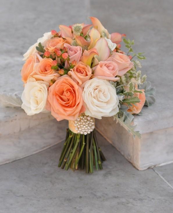 Buquê de rosas claras
