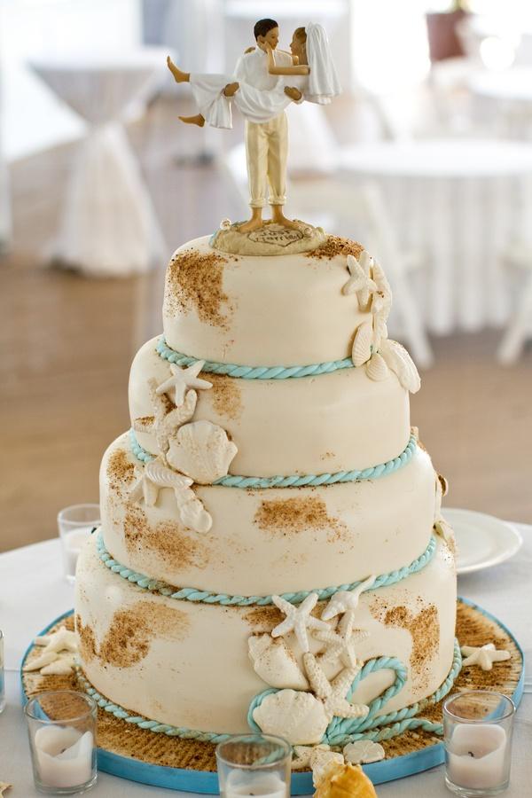 bolo de casamento na praia