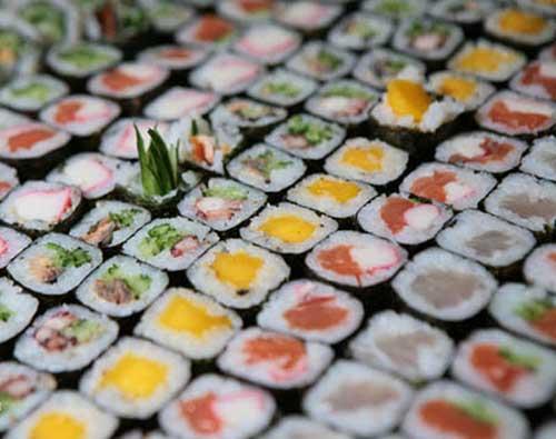 Mesa com Sushi