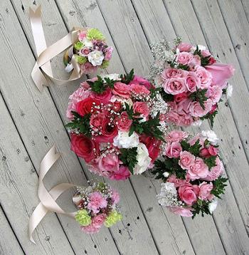 buquê com rosas mistas fica bem lindo