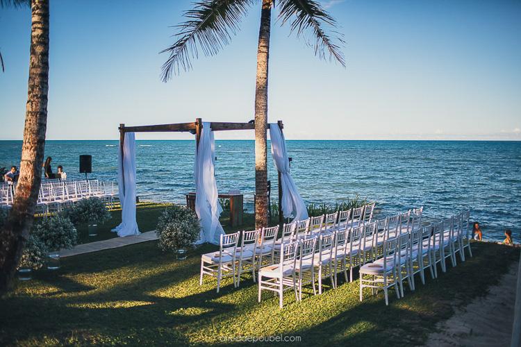 cadeiras para casamento na praia