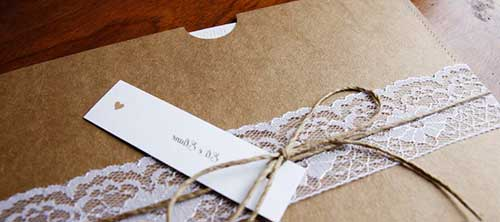 convite rústico envelope com tag