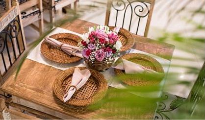 Mesas rústica para os convidados