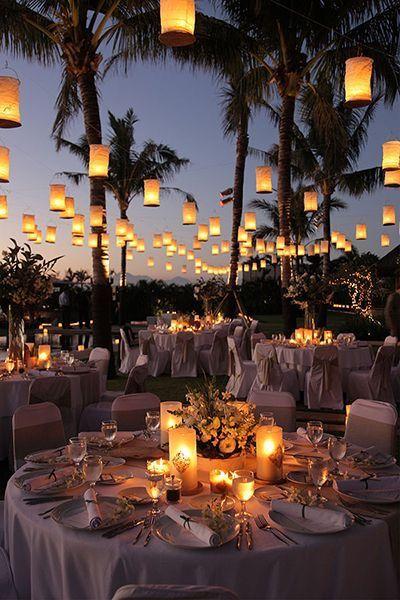Decoração com luzes na mesa