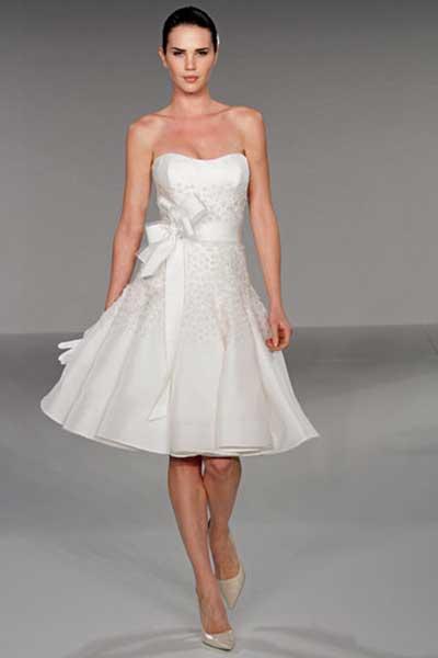 Vestido curto tomara que caia para casamento