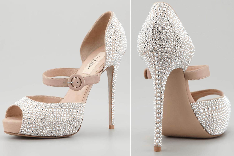sapatos brilhantes de noivas