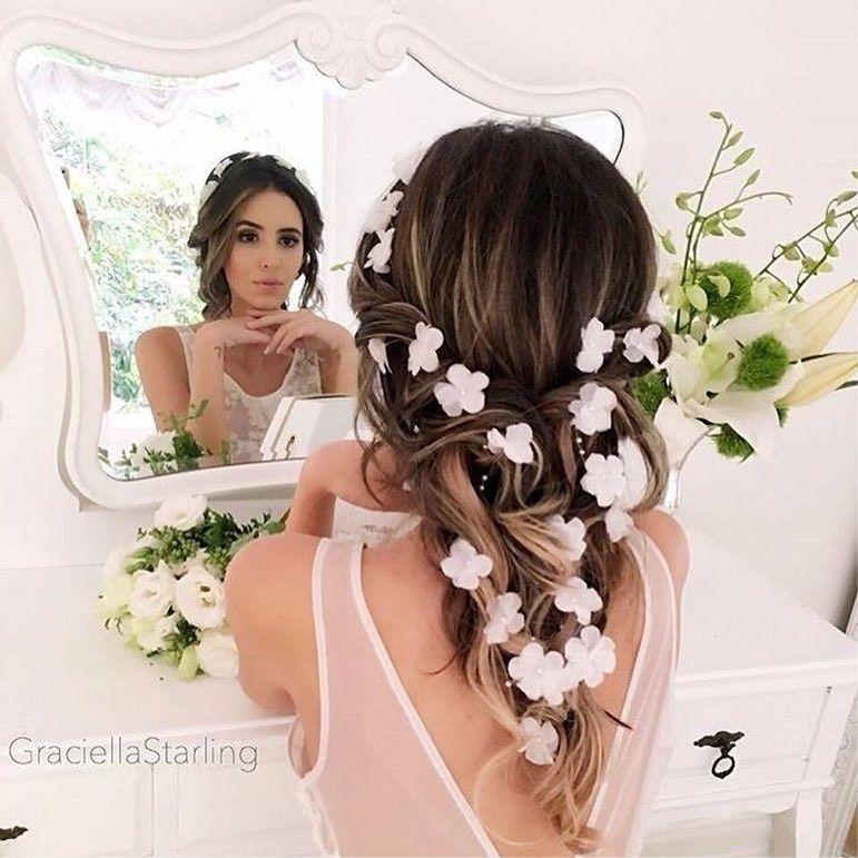 Lindo penteado de transas com flores