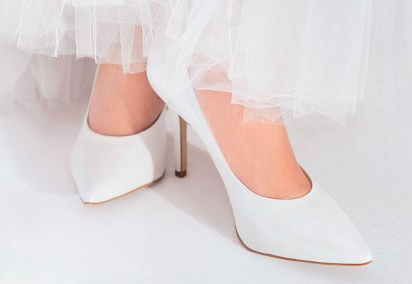 sapatos clássicos de noivas