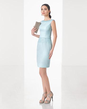 Vestido de cor clara