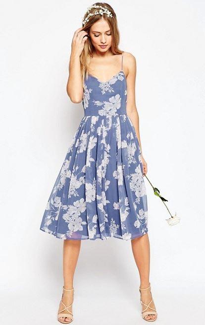 vestido colorido com estampa