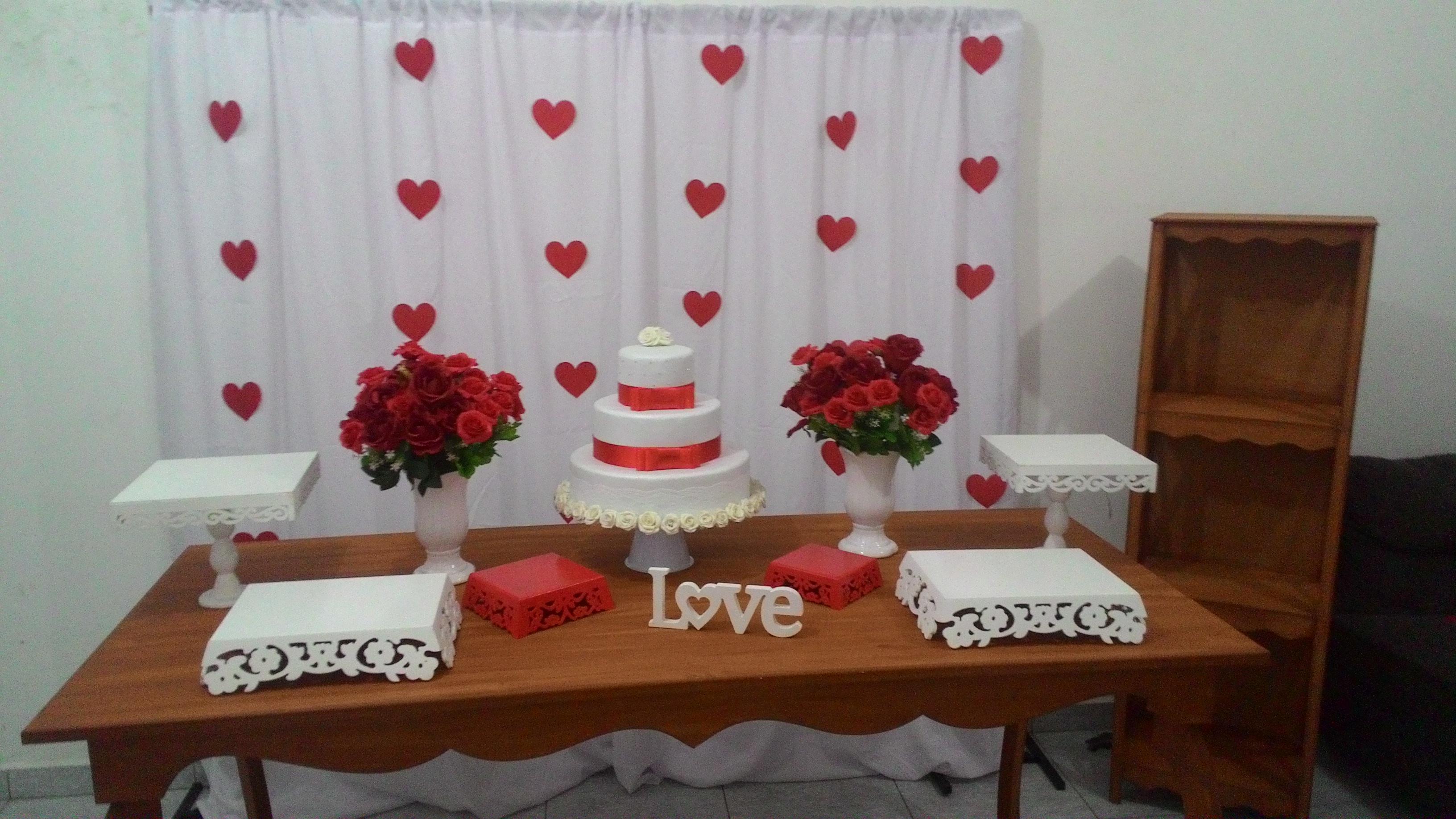 Linda decoração simples em uma mesa