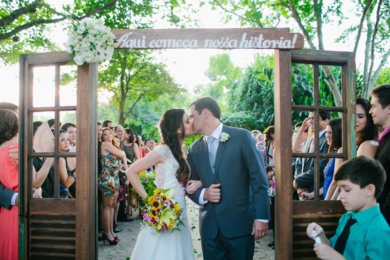 Frase para entrada dos noivos