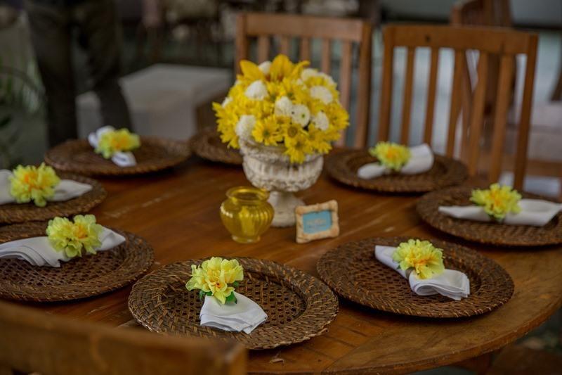 As flores são uma ótima dica para Casamentos em locais abertos ou rústicos