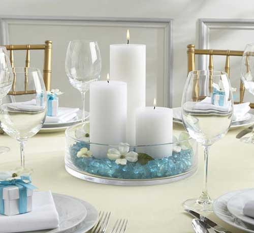 Arranjo com velas para mesa
