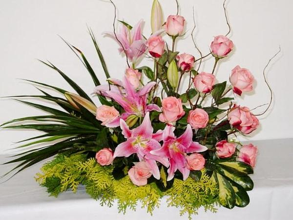 Combinação de varias flores formando um arranjo lindo de flores naturais