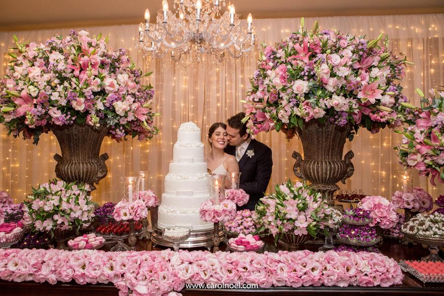 As combinações de cores junto ao rosa deixa ainda mais bonita sua decoração, e as possibilidades de combinações são bem grandes