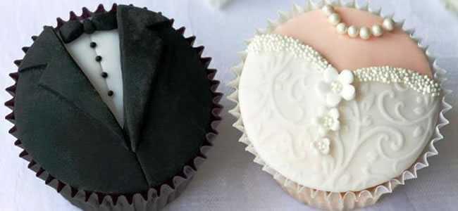 Lindos e deliciosos doces personalizados com as roupas dos noivos