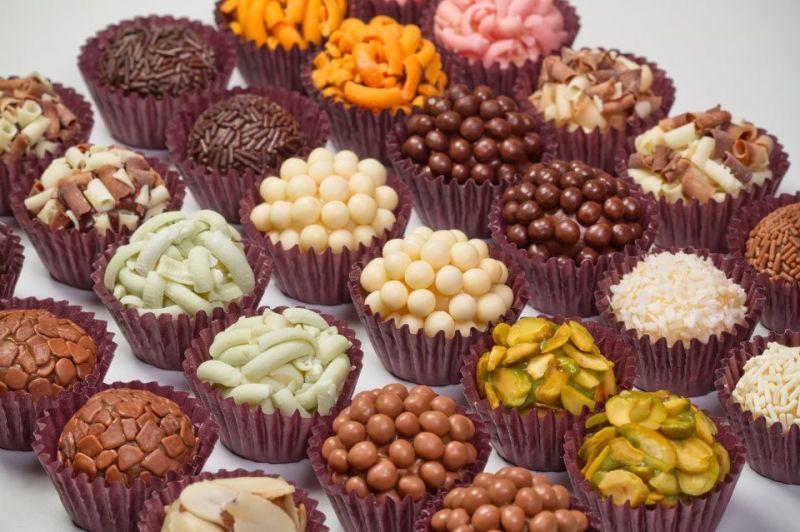 Exemplo de doces tradicionais, brigadeiro, beijinhos....