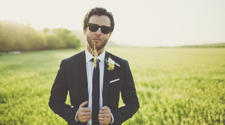 O terno preto e a escolha ideal e sem erros