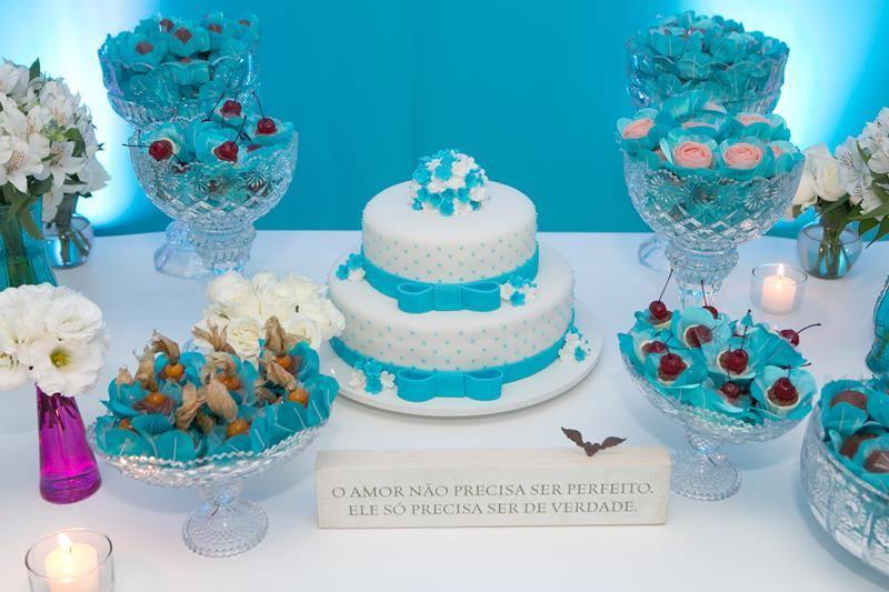 Azul tiffany deixa sua mesa bem charmosa