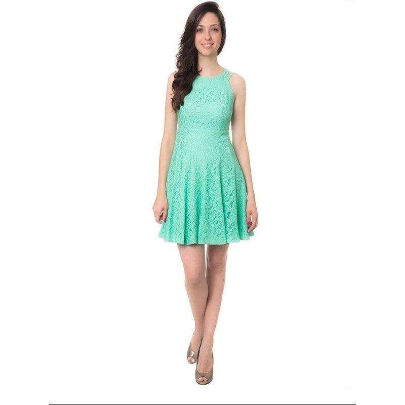 Combinar vestido verde claro