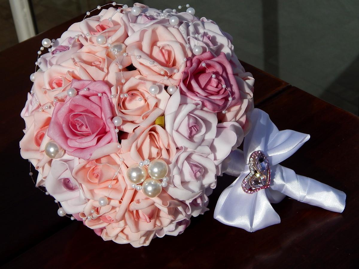 Buquê de noiva artificial